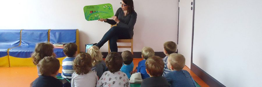 Activité lecture à la crèche le temps d'un rêve à Arras
